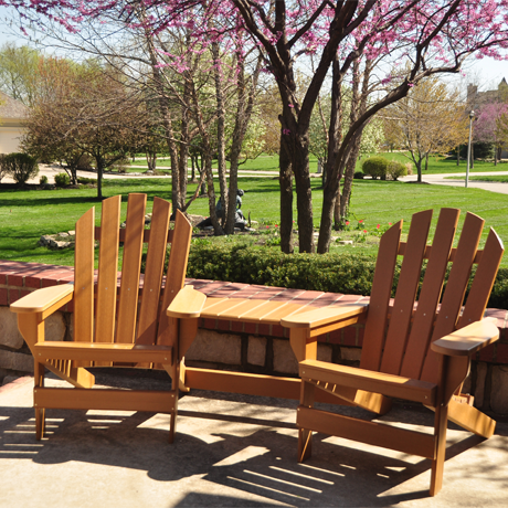 Tete-A-Tete Connecting Table shown with Seaside (18CH-002) Adirondack Chairs